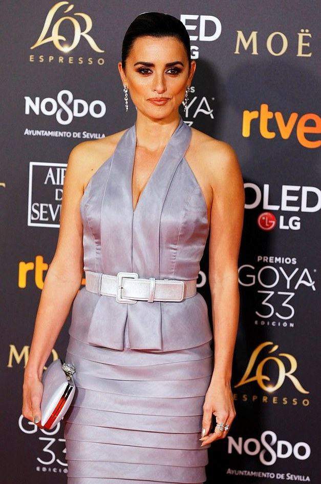 Style Stalking: Penelope Cruz Is Glamorous In Halterneck For Goya Awards 1
