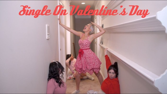 Single On Valentine's Day? Here's How To Rock V-Day As A Single Lady 4