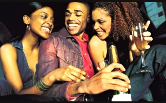 That Sharp Naija Guy: 5 Gimmicks Every Nigerian Girl Use To Get A Man 1