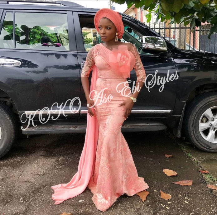 Ten Hot And Vibrant Aso Ebi Styles You Definitely Need To See! 8
