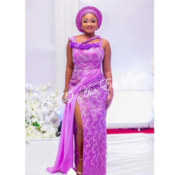 Ten Hot And Vibrant Aso Ebi Styles You Definitely Need To See! 1