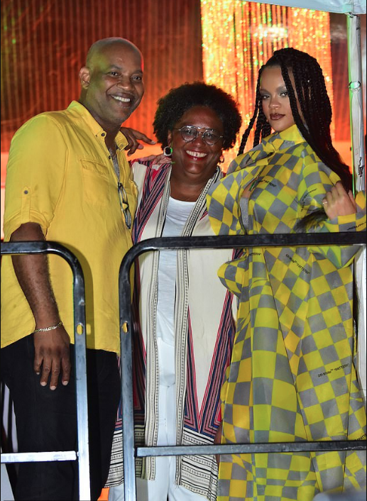 Rihanna Flaunts Long Sexy Legs In Checkered Jumpsuit And Coat At A Raggae Concert In Barbados 3
