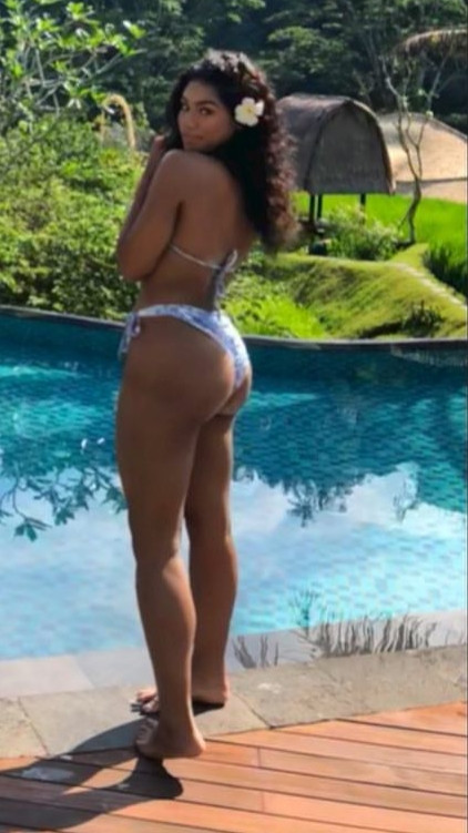 Oh She's Hot! Regina Askia's Look-alike Daughter, Teesa Shows Off Fantastic Bikini Body 1