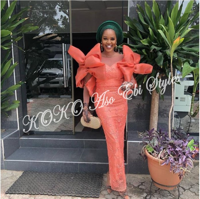 Unconventional And Chic: Five Aso-ebi Styles That Will Blow Your Mind Away! 1