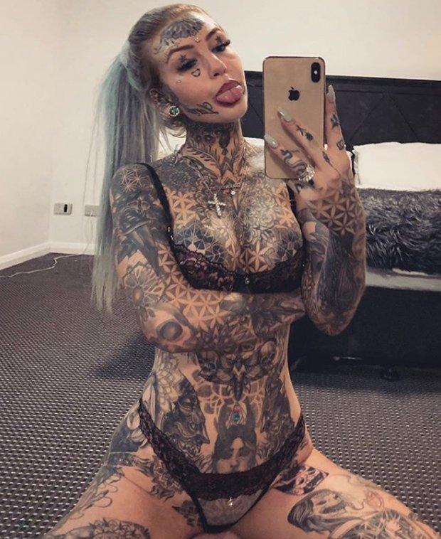 Meet Amber Luke, The Blue Eyes White Dragon Girl With Over 130 Tattoos 1