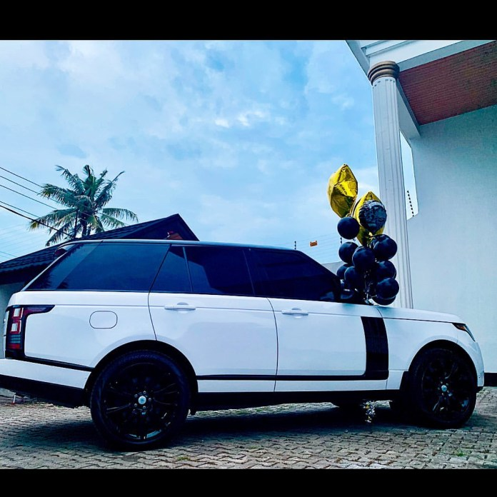 New Whip Alert! Stylist Swanky Jerry Acquires New Range Rover 1