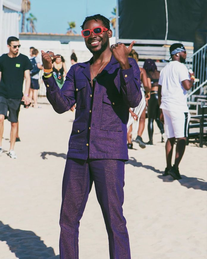 Adekunle Gold Revels How He Had Less Than 40 People During One Of His Performance