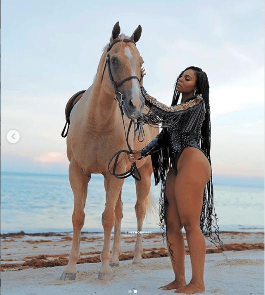 Ashanti Puts Her Banging Body On Display In Stunning Beachside Snap 5