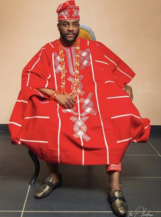 Ebuka Uchendu Just Set Tonight's BBNaija Eviction Show On 🔥🔥🔥 His Red Agbada 3