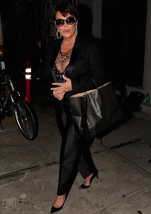 Kris Jenner Flaunts Serious Cleavage Is Sexy Black Bustier 1