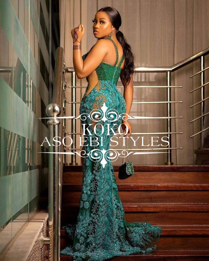 accentuate your figure Hour-glass Aso Ebi Styles