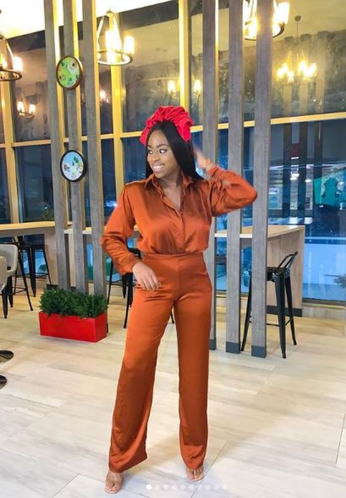 Ozinna Anumudu Shows Us How To Walk Through The Week In Style