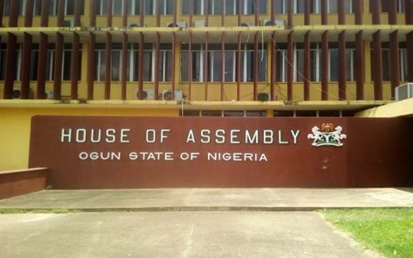 Hoodlums Attacks Ogun State House Of Assembly, Steal Mace