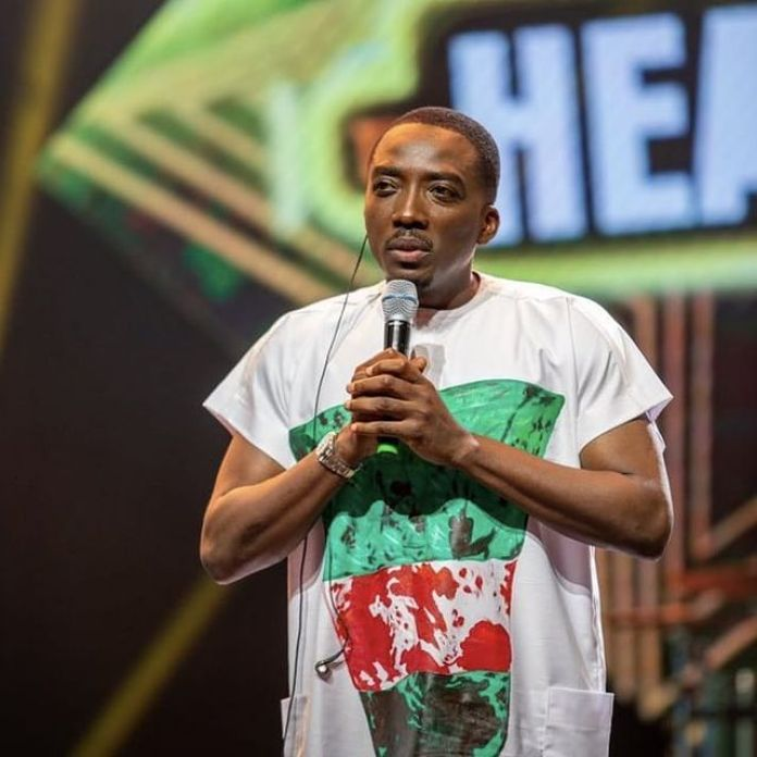 Bovi Pays Tribute To Those Killed At Lekki Tollgate As He Wears T-shirt With 'Bloodstained' Nigerian Flag