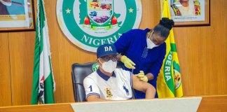 Dapo Abiodun takes Vaccination