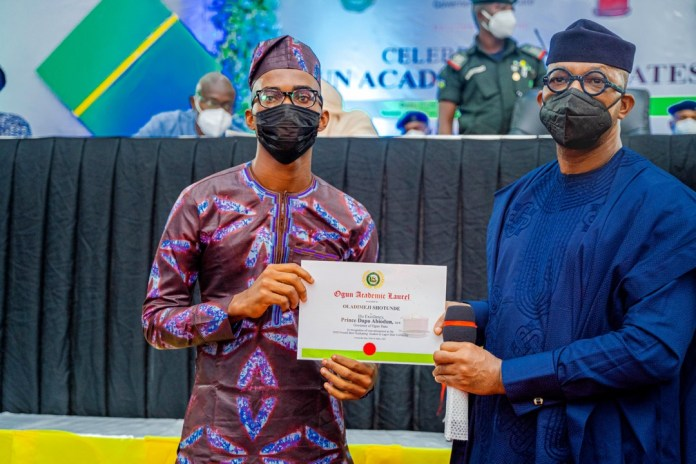 Dapo Abiodun Gifts LASU's Best Graduating Student Oladimeji Shotunde N2m, Bungalow
