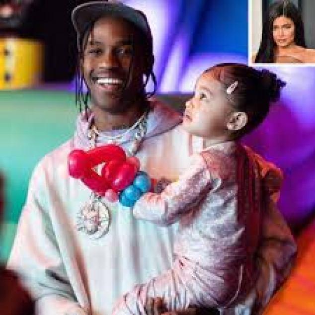 "Travis Scott Gifts Daughter Stormi A Yellow ""Moluwe"" Bus"