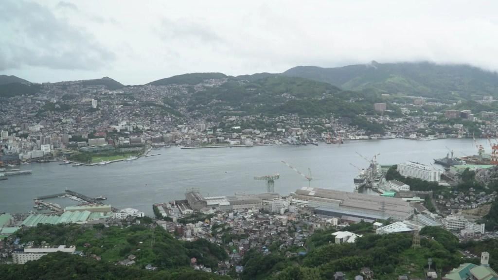 稲佐山から長崎を一望する