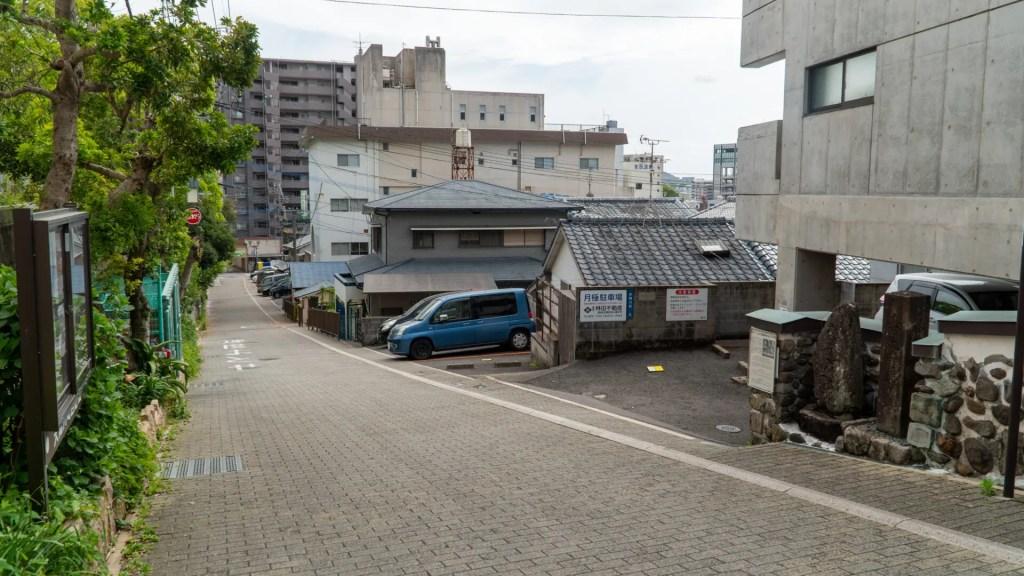 春徳寺通りを上から見る