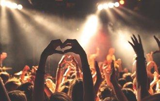 音楽のライブ会場の画像