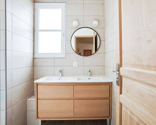 une salle de bain pour toute la famille kokouna. Black Bedroom Furniture Sets. Home Design Ideas