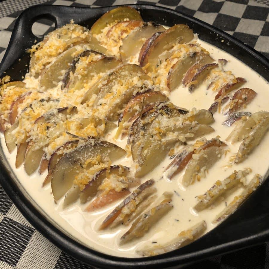 Drie kazen en drie aardappelen gratin