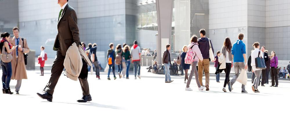 たくさんの外国人労働者が溶け込んでいる日本人社会