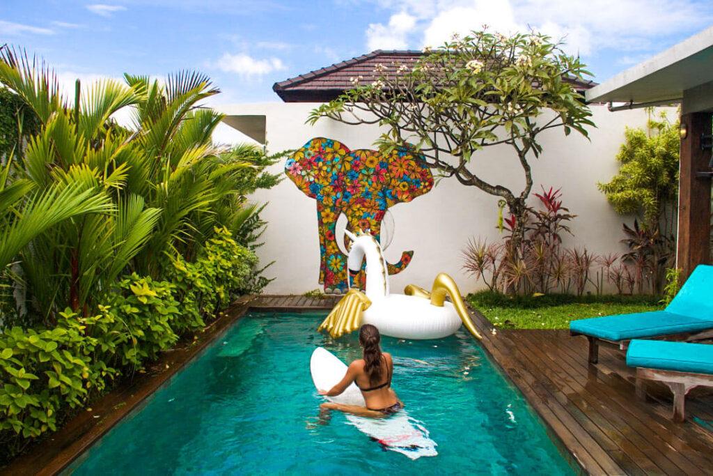 Dekorasi kolam renang minimalis