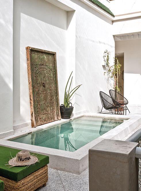 Kolam renang di rumah minimalis