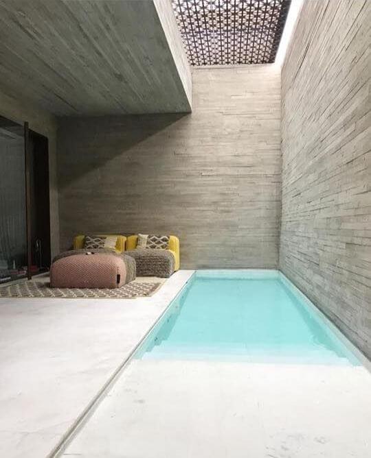 Kolam renang kecil di rumah minimalis