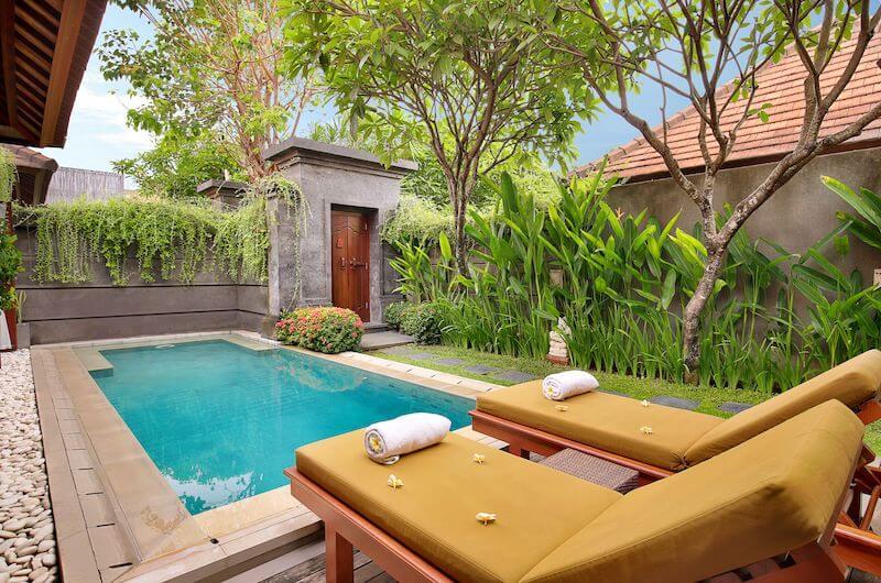 Desain rumah minimalis dengan kolam renang
