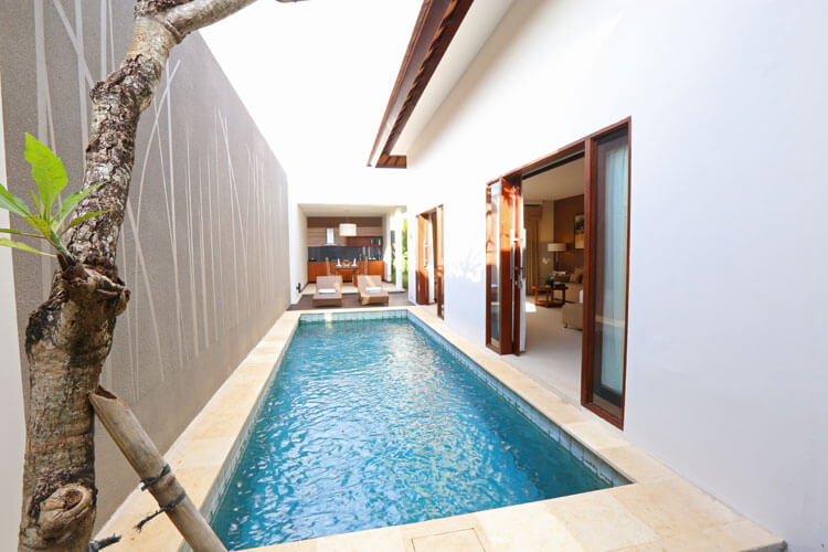 Ukuran kolam renang minimalis modern