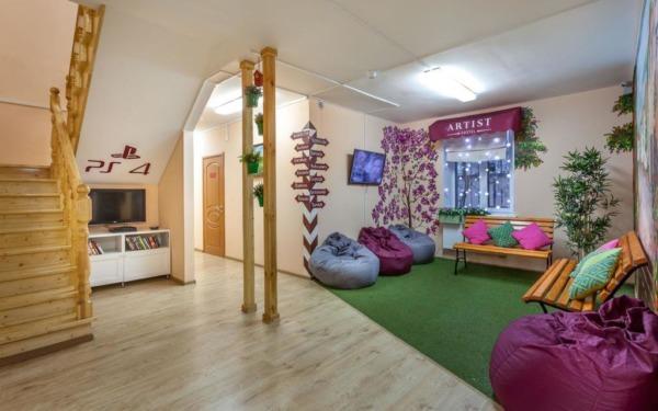 Lobby hostelu Artist w Moskwie