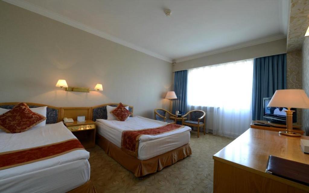 Pokój dwuosobowy w hotelu Bayangol w Ułan Bator