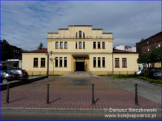 Sosnowiec - Dom Katolicki naprzeciwko katedry