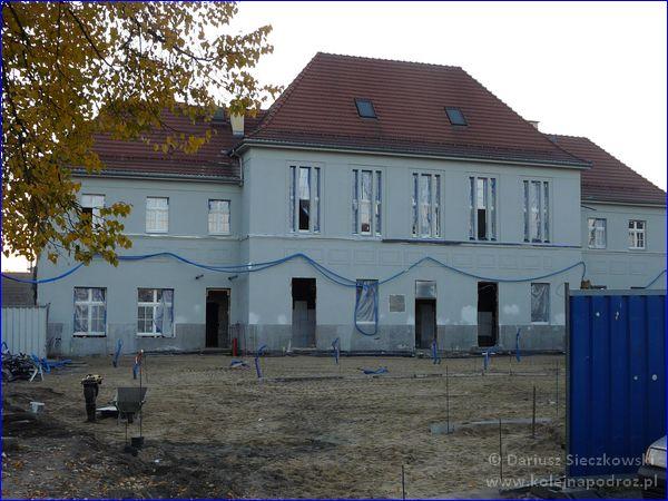 Kędzierzyn-Koźle - elewacja budynku dworca