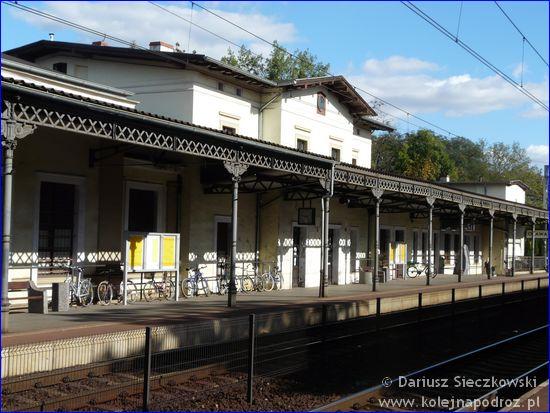 Oława - dworzec kolejowy od strony peronu 2
