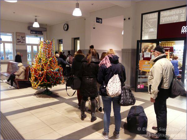 Rawicz - dworzec kolejowy - hol