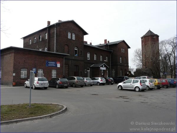 Pleszew (Kowalew) - dworzec kolejowy