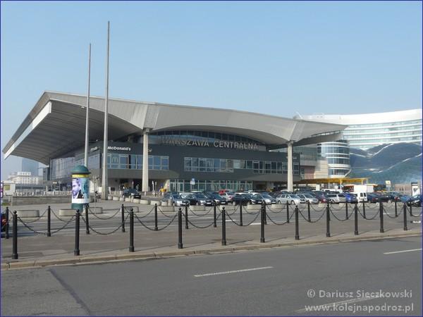 Dworzec Centralny z zewnątrz