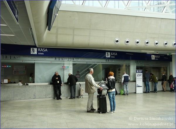 kasy w hali podziemnej