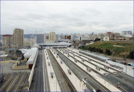 Baku - widok na perony