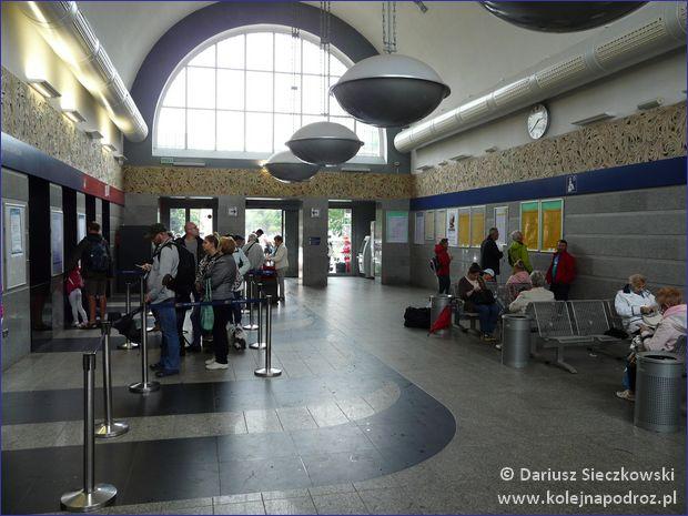 Kołobrzeg - hol dworca