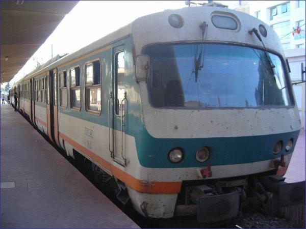 Pociąg podmiejski