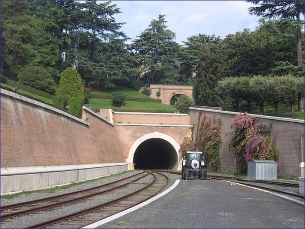 Kolej w Watykanie