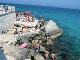 Monopoli: ha nincs homokos tengerpart, akkor a sziklákat használjuk!