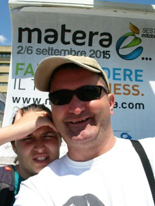 Matera: érkezünk, hőség van