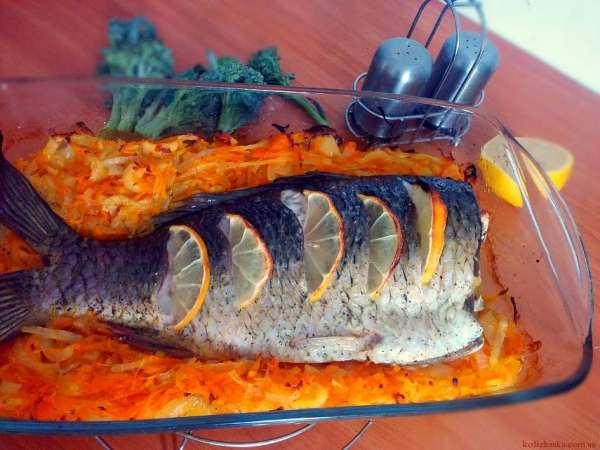 Короп,запечений з овочами
