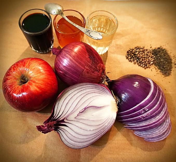 Цибульковий конфітюр з мускатом і яблучком. Покроковий рецепт з фото