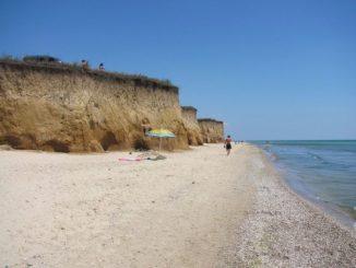 Куди поїхати на море в Україні: міста, села і дикі пляжі